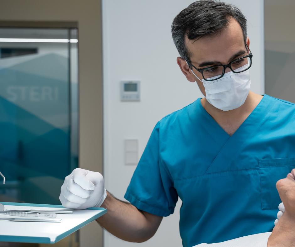 Was tun gegen Mundgeruch Dr. Khabat Kedir